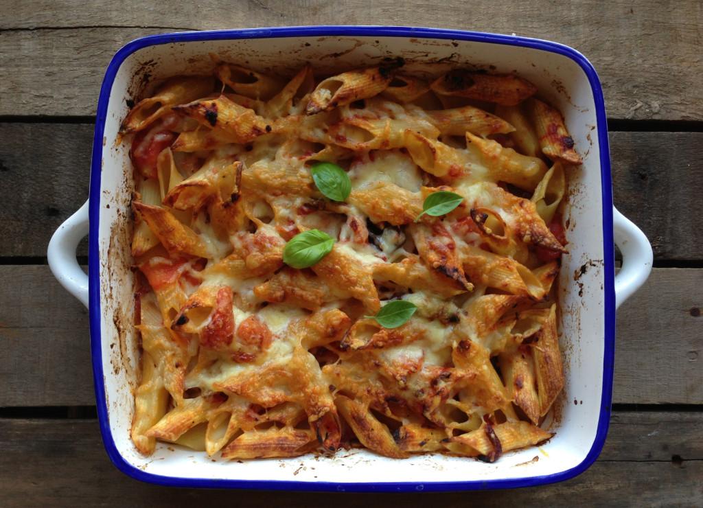 Easy Cheesy Rigatoni Pasta Bake - Pescetarian.Kitchen