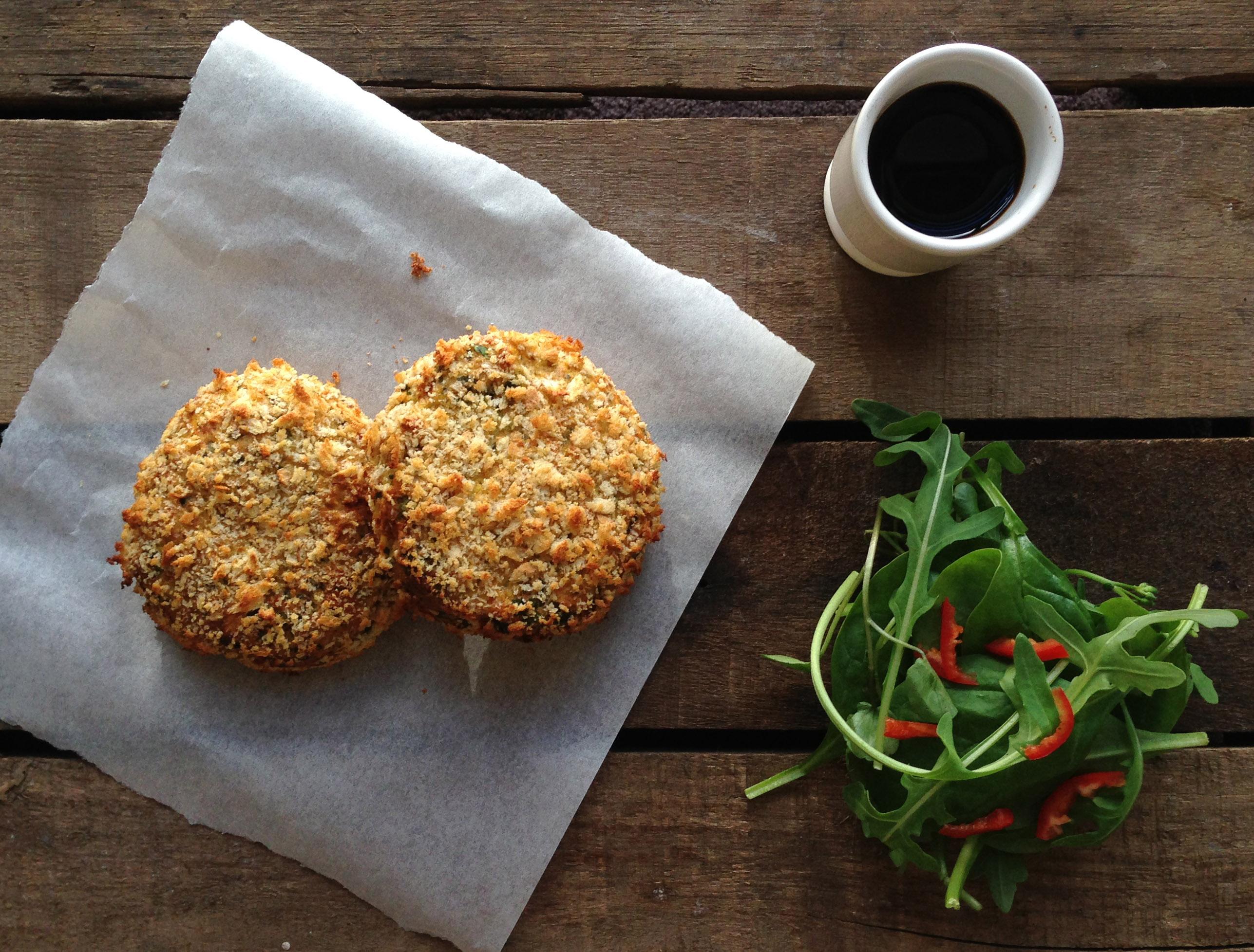 Thai salmon fish cakes recipe pescetarian kitchen for Salmon fish cakes