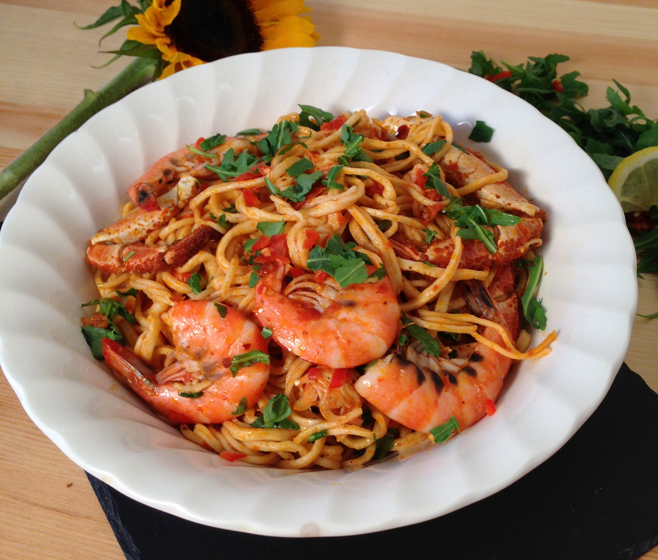 Fresh king prawn and crab spaghetti recipe for Prawn and spaghetti recipe