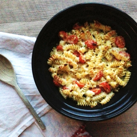 Garlic, Cheese & Tomato Pasta Bake