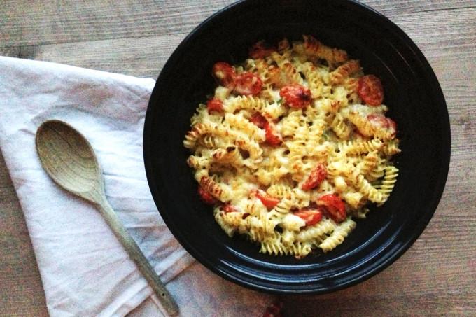 Garlic, Cheese & Tomato Pasta Bake