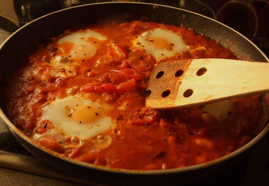 Huevos rancheros is an awesome Mexican breakfast meal that's packed ...