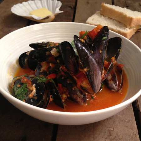 Mussels in a Tomato and Chilli Sauce