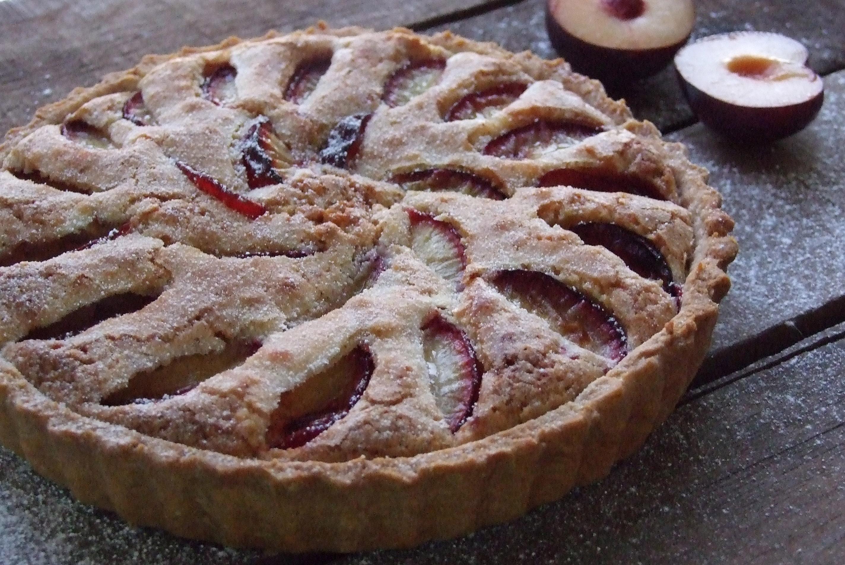 Delicious Plum Frangipane Tart Recipe · Pescetarian.Kitchen