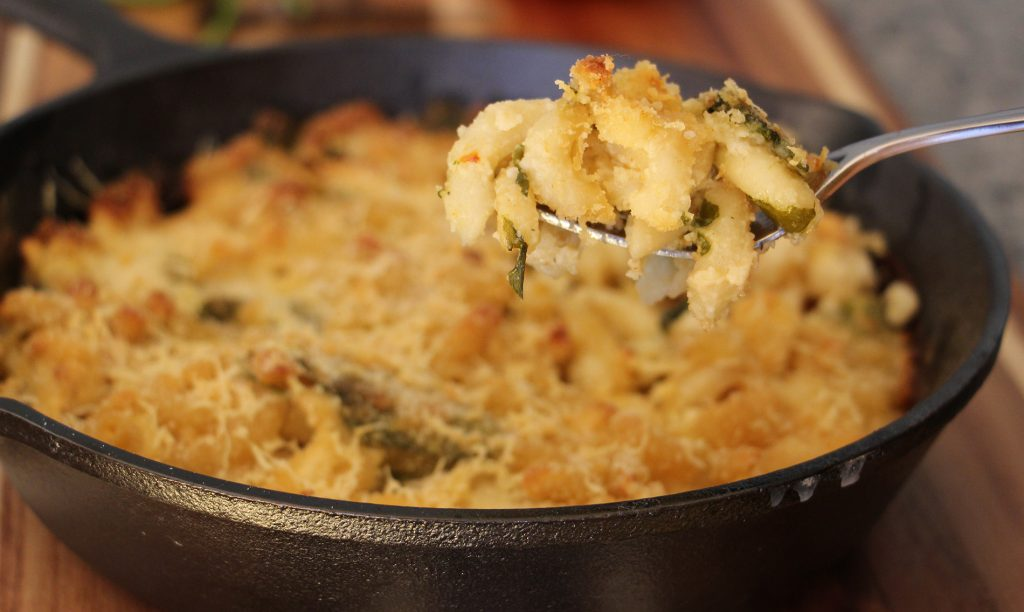 Mac & Cheese with Cauliflower and Spinach