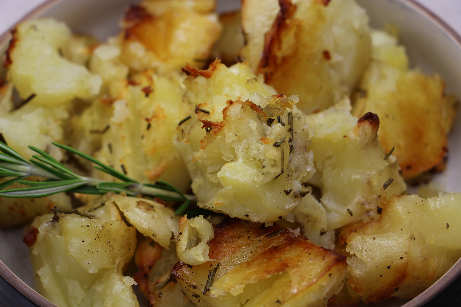 Roast Potatoes with Rosemary Recipe from Pescetarian.Kitchen