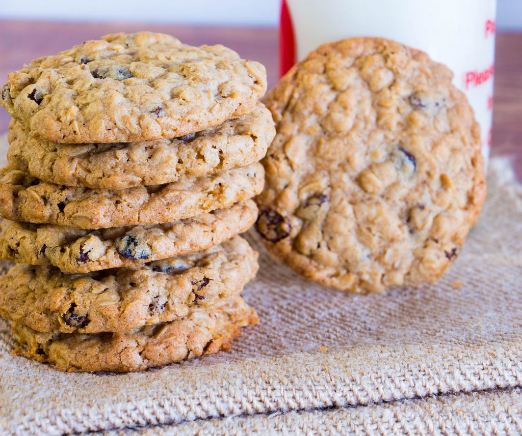 oatmeal and raisin cookies 5