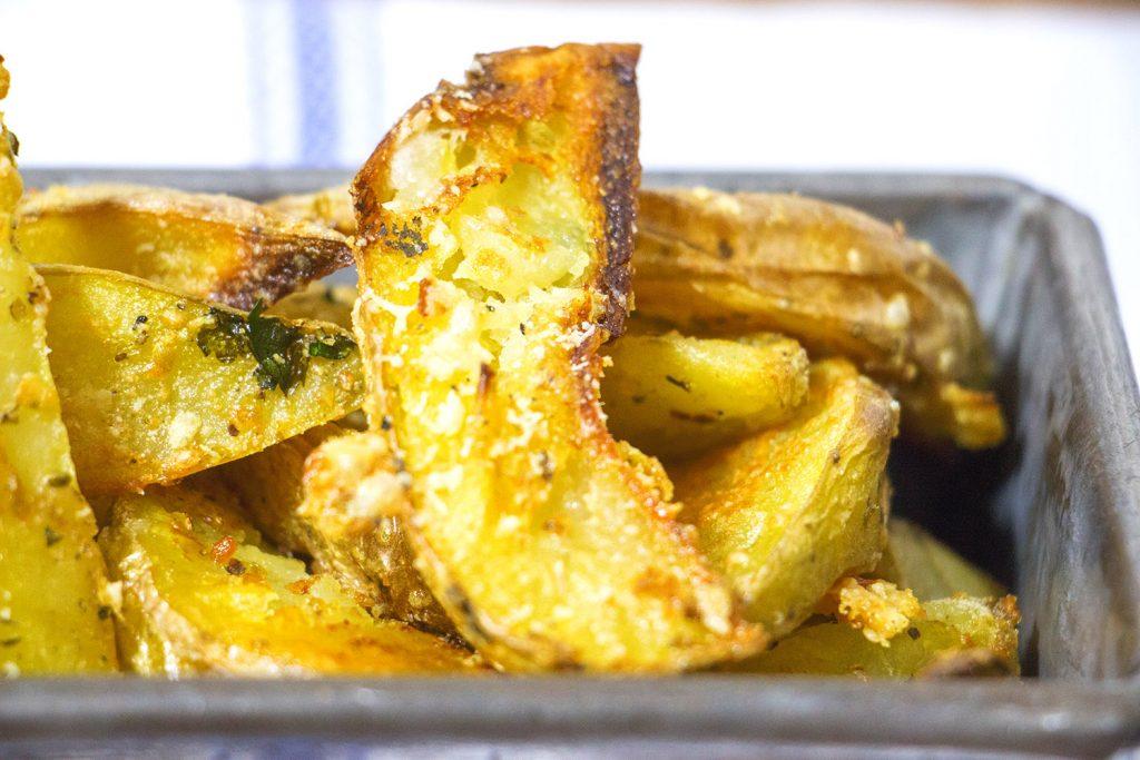 Garlic parmesan potato wedges 3